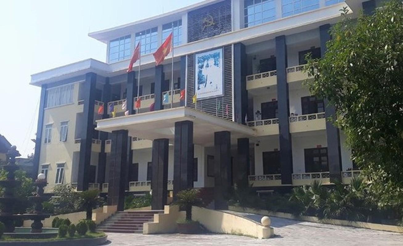 Tin nong ngay 14/6: Tiep tuc khoi to nguyen pho chu tich TP HCM va bong hong dai gia-Hinh-4