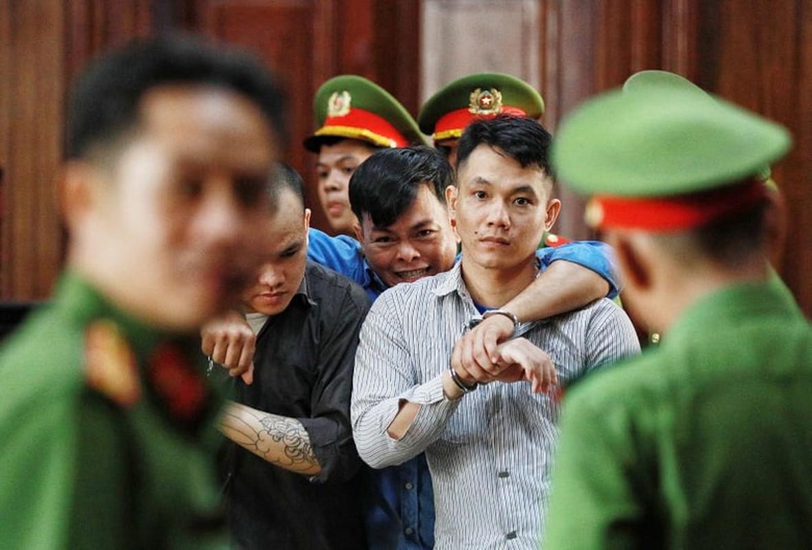 """Xet xu """"dai gia"""" Phuc XO: Khong the tu di, dong pham diu vao toa-Hinh-11"""
