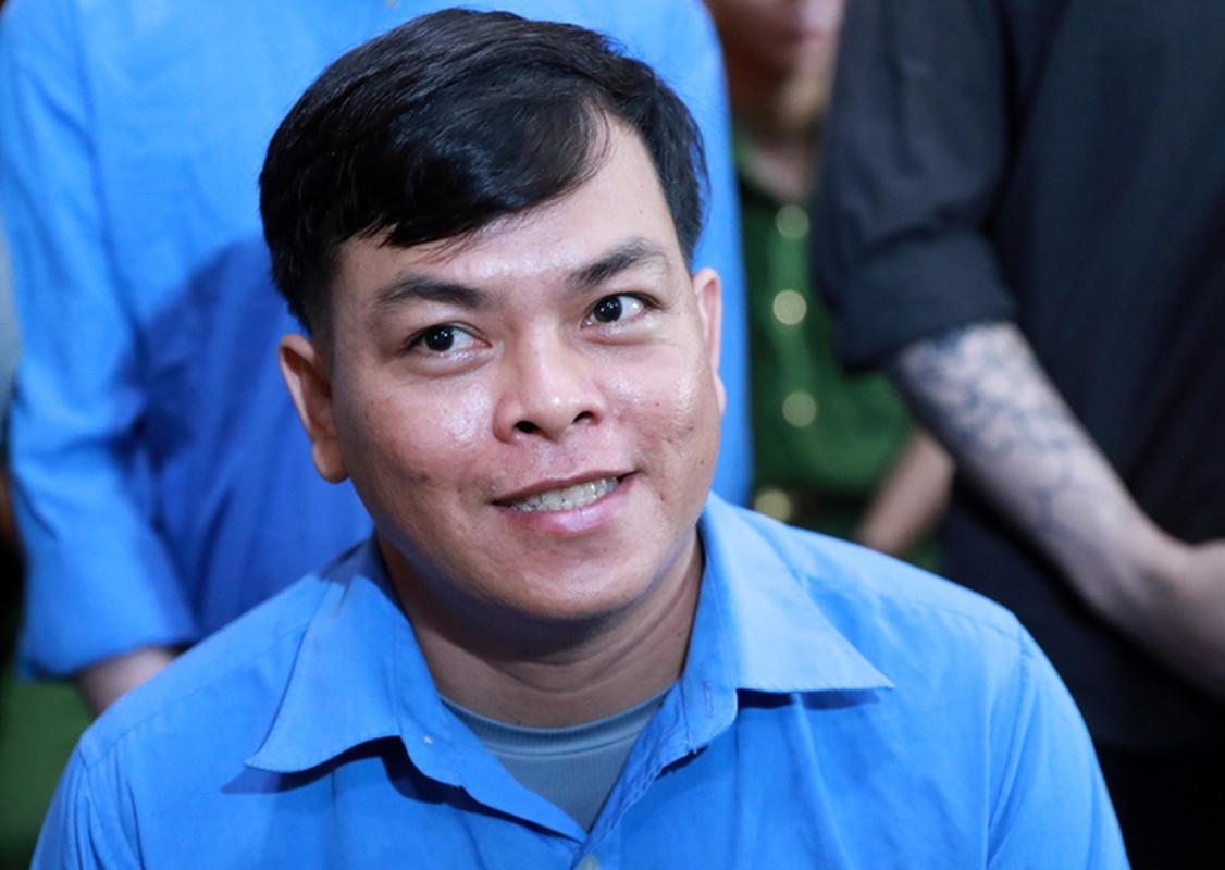 """Xet xu """"dai gia"""" Phuc XO: Khong the tu di, dong pham diu vao toa-Hinh-12"""
