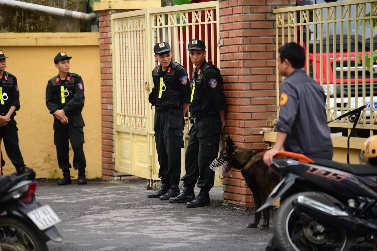 """Xet xu """"dai gia"""" Phuc XO: Khong the tu di, dong pham diu vao toa-Hinh-8"""