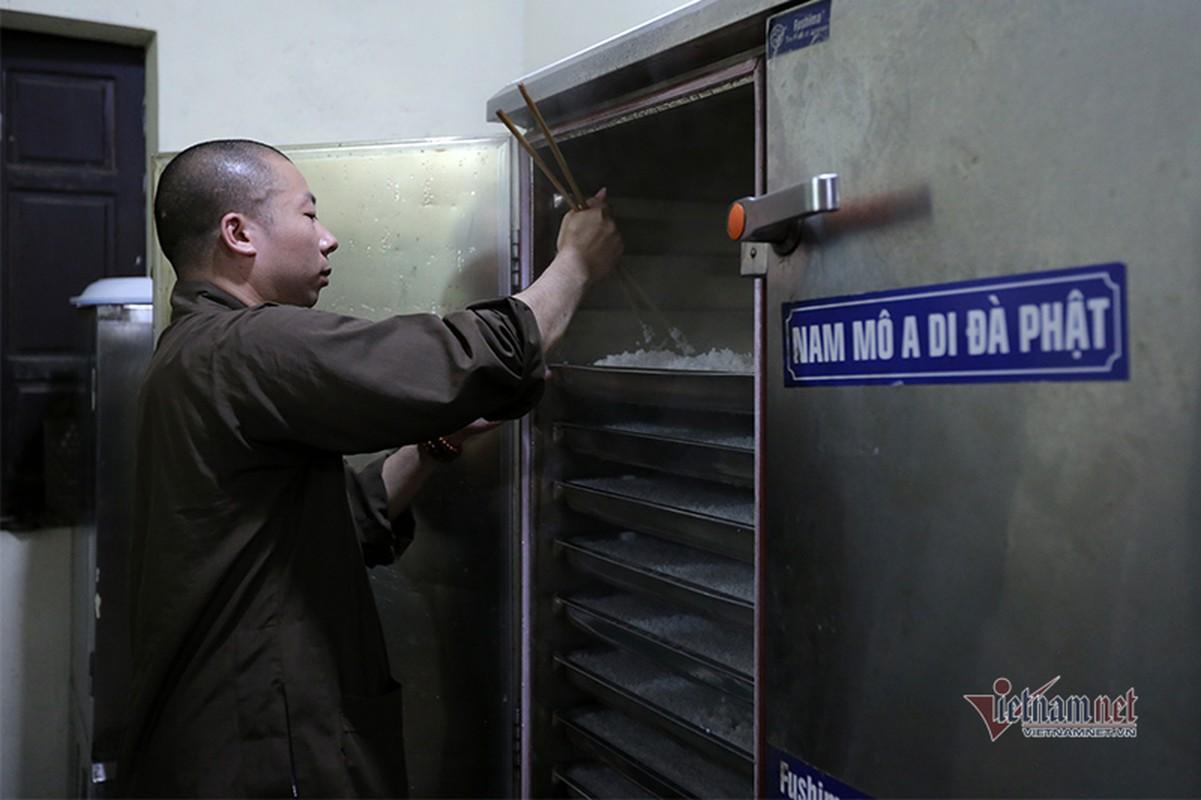 Cuoc song ben trong ngoi truong bi an nhat Viet Nam-Hinh-15