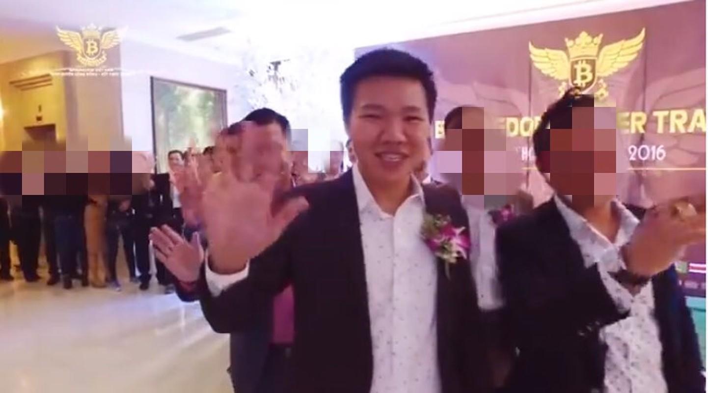 "Chan dung doanh nhan tien ao bi cuop 35 ty: Tung dinh ""lum xum"" tai tieng-Hinh-2"