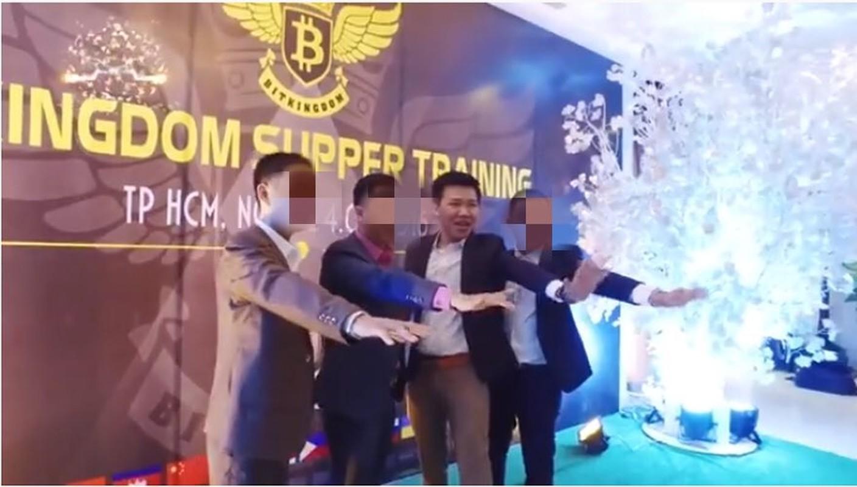 "Chan dung doanh nhan tien ao bi cuop 35 ty: Tung dinh ""lum xum"" tai tieng-Hinh-7"