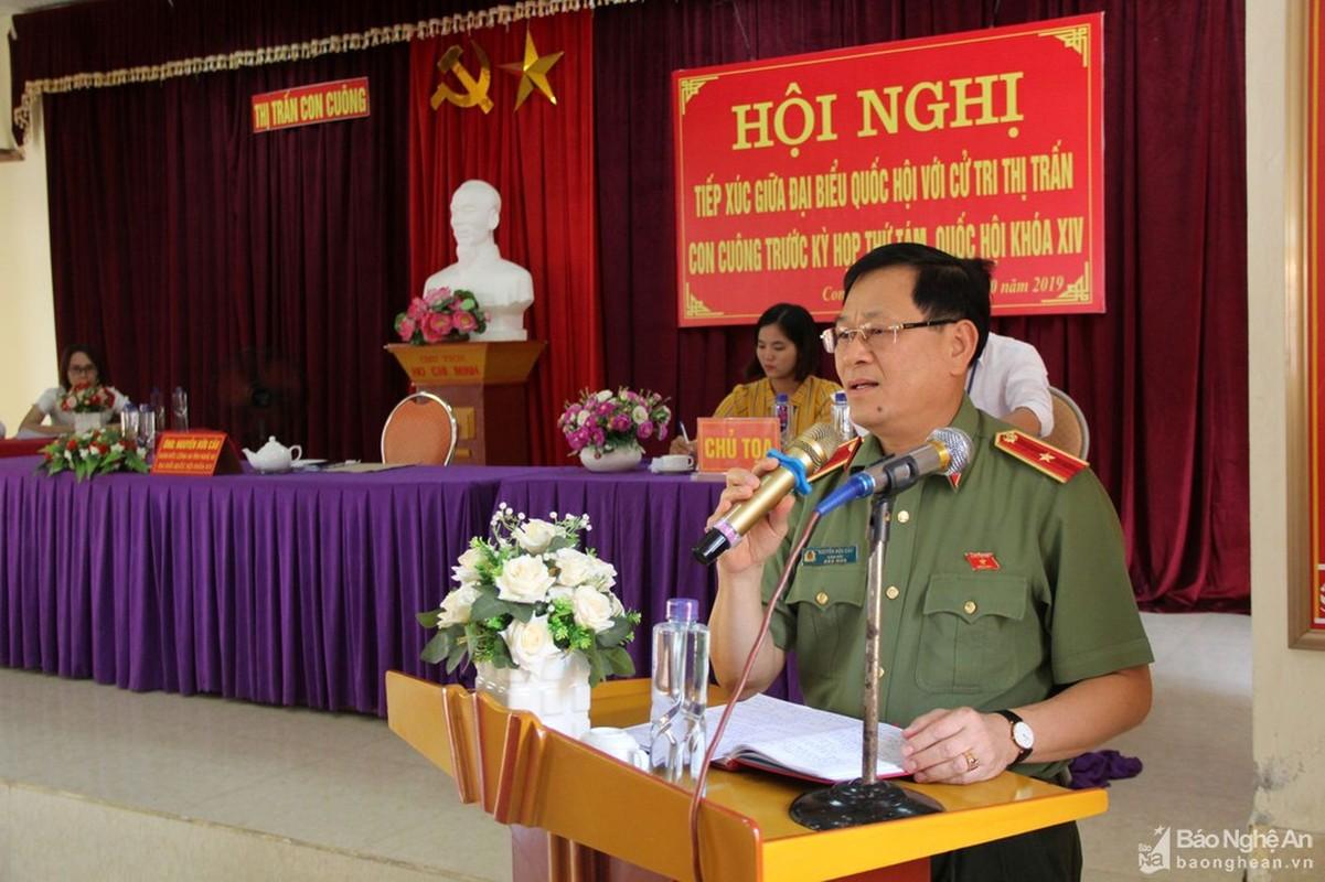 Thieu tuong Nguyen Huu Cau thoi chuc Giam doc Cong an tinh Nghe An-Hinh-4