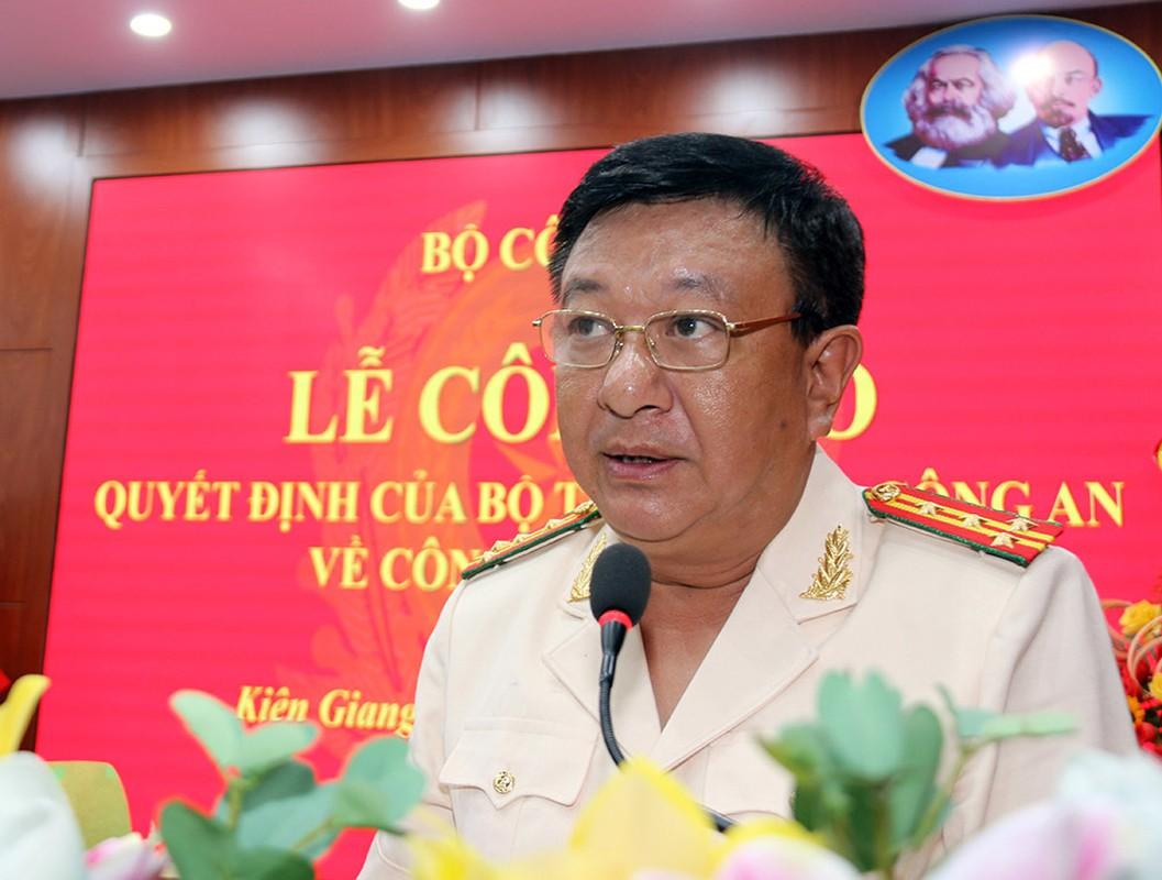 Chan dung 12 dai ta vua duoc bo nhiem Giam doc cong an tinh-Hinh-12
