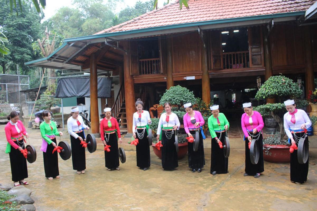 Sac Xuan tren cac ban nguoi muong o Phu Tho va Hoa Binh-Hinh-10
