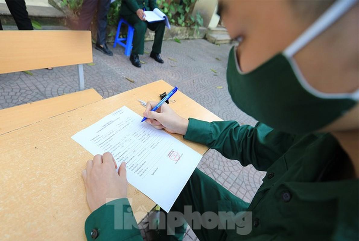 Hang tram tan binh Thu do lay mau xet nghiem SARS-CoV-2-Hinh-3