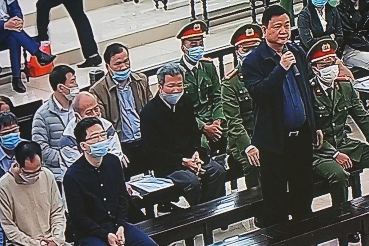 Hinh anh Dinh La Thang va Trinh Xuan Thanh trong phien toa 8/3
