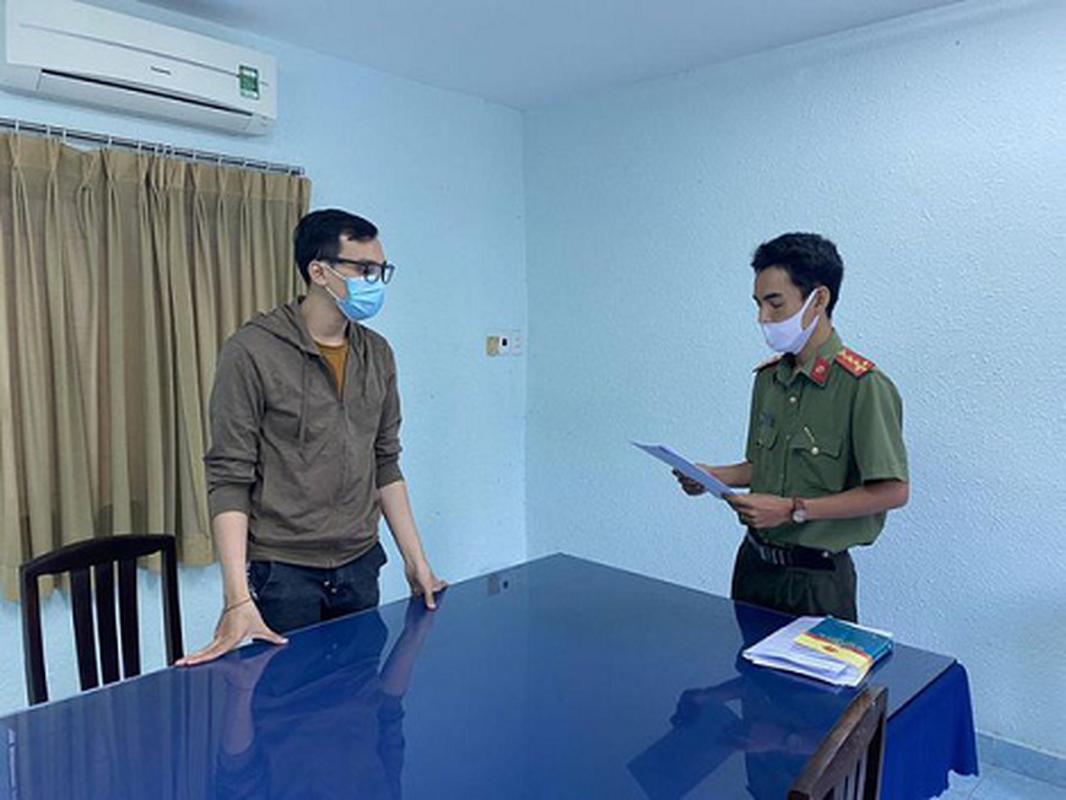 Nam tiep vien Vietnam Airlines lam lay lan COVID-19 linh 2 nam tu treo-Hinh-6