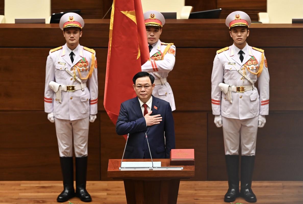 Chum anh: Tan Chu tich Quoc hoi tuyen the nham chuc, dieu hanh phien hop-Hinh-2