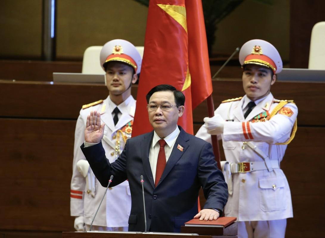 Chum anh: Tan Chu tich Quoc hoi tuyen the nham chuc, dieu hanh phien hop-Hinh-3
