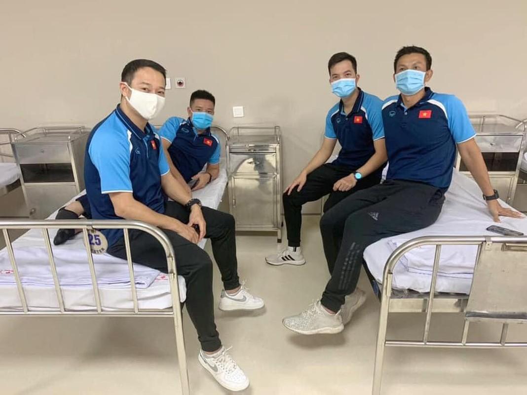 HLV Park Hang-seo cung cac cong su tiem vac-xin COVID-19