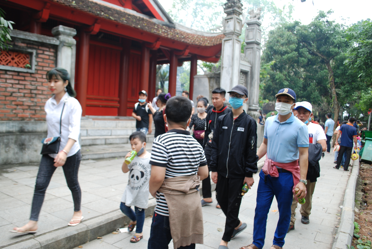 Hang ngan du khach tray hoi Den Hung Tan Suu 2021-Hinh-3