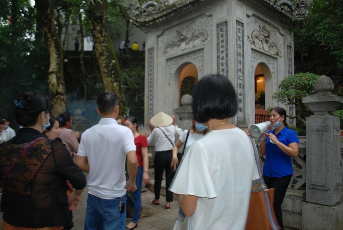 Hang ngan du khach tray hoi Den Hung Tan Suu 2021-Hinh-6