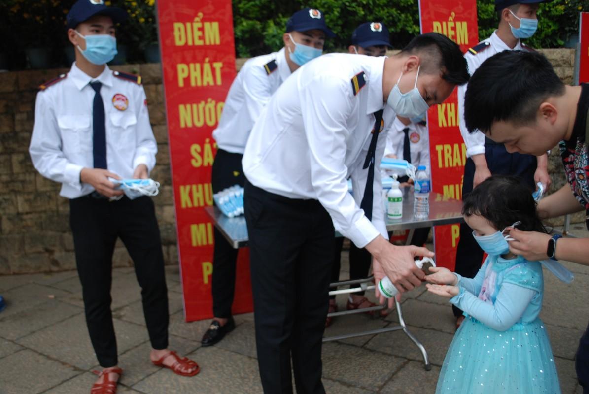 Hang ngan du khach tray hoi Den Hung Tan Suu 2021-Hinh-7