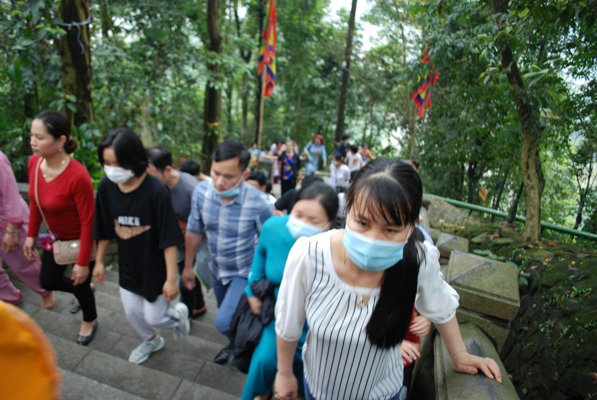 Hang ngan du khach tray hoi Den Hung Tan Suu 2021