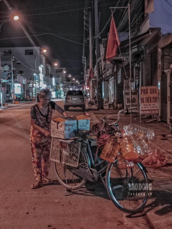 Nhung phan nguoi nhoc nhan muu sinh trong dem toi-Hinh-2