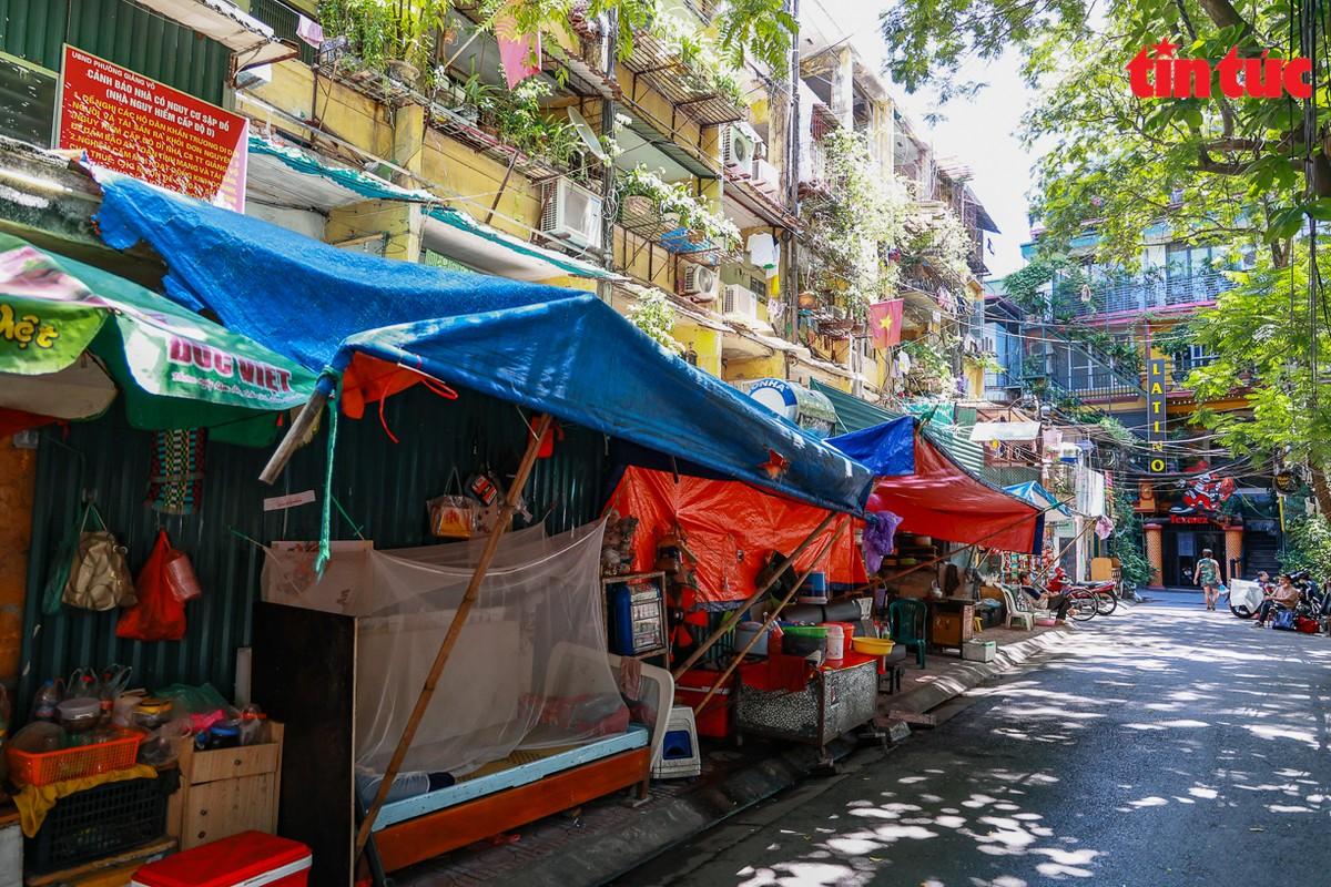 Ha Noi: Can canh cac khu tap the phai di dan khan cap trong mua mua bao-Hinh-5