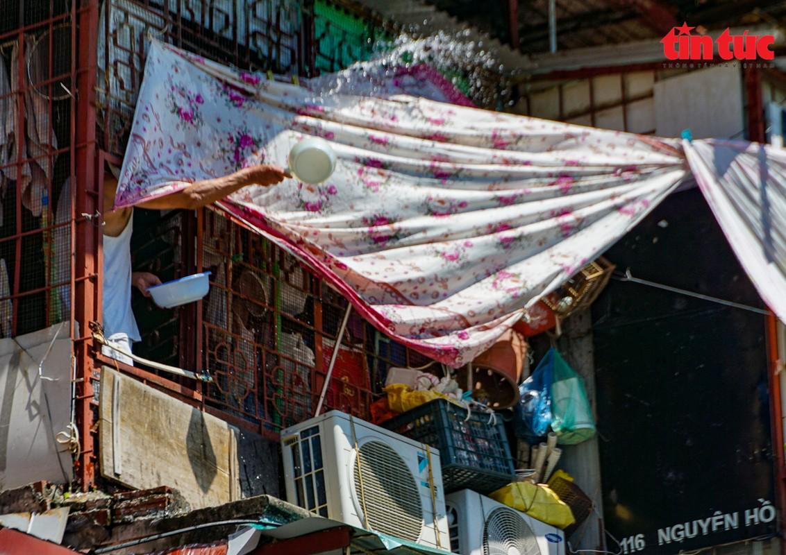 Ha Noi: Can canh cac khu tap the phai di dan khan cap trong mua mua bao-Hinh-7