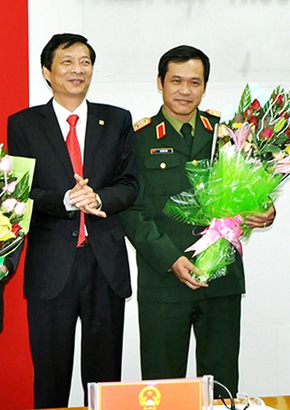 Chan dung Thu truong BQP Vu Hai San vua thang ham Thuong tuong-Hinh-3