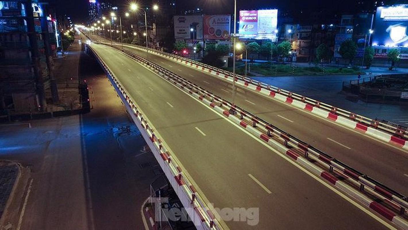 Pho dem Ha Noi dep nhu tranh tinh vat khi cach ly xa hoi-Hinh-14