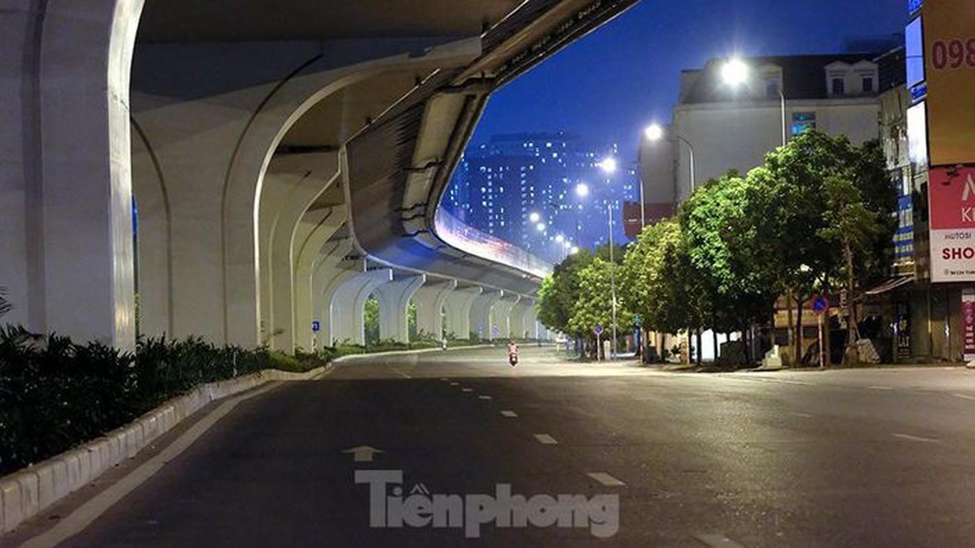 Pho dem Ha Noi dep nhu tranh tinh vat khi cach ly xa hoi-Hinh-8