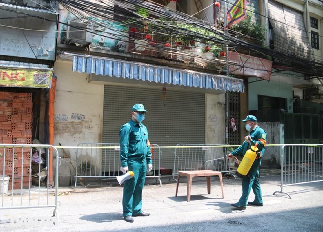 Ha Noi phong toa phuong Chuong Duong do co ca duong tinh COVID-19-Hinh-2