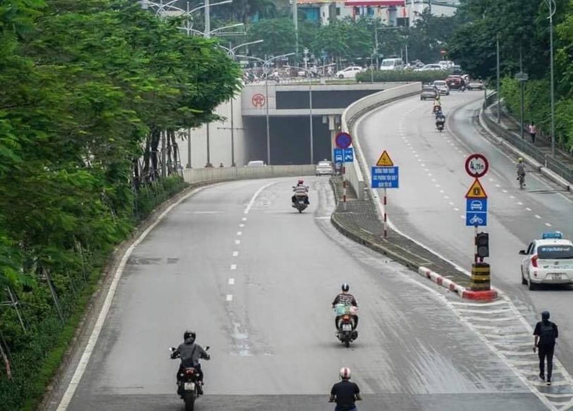 Ha Noi: Cam 1 chieu ham Kiem Lien, nguoi dan luu thong the nao?-Hinh-7