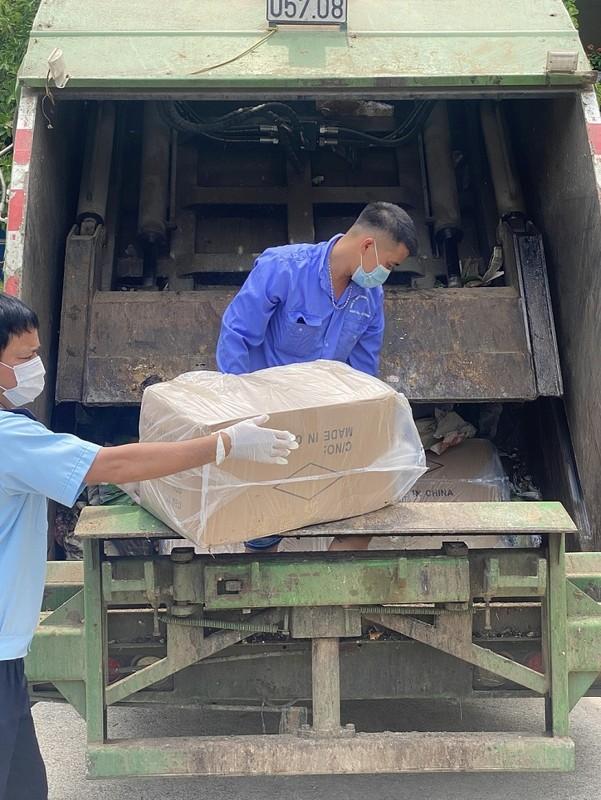 """""""Tau"""" hang lau bang xe cho rac, conteiner: """"Vai thua che mat thanh""""-Hinh-6"""