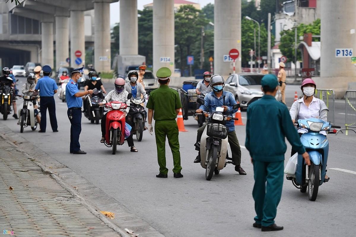 Duong Ha Noi lai dong duc xe co nhu chua he co COVID-19-Hinh-3