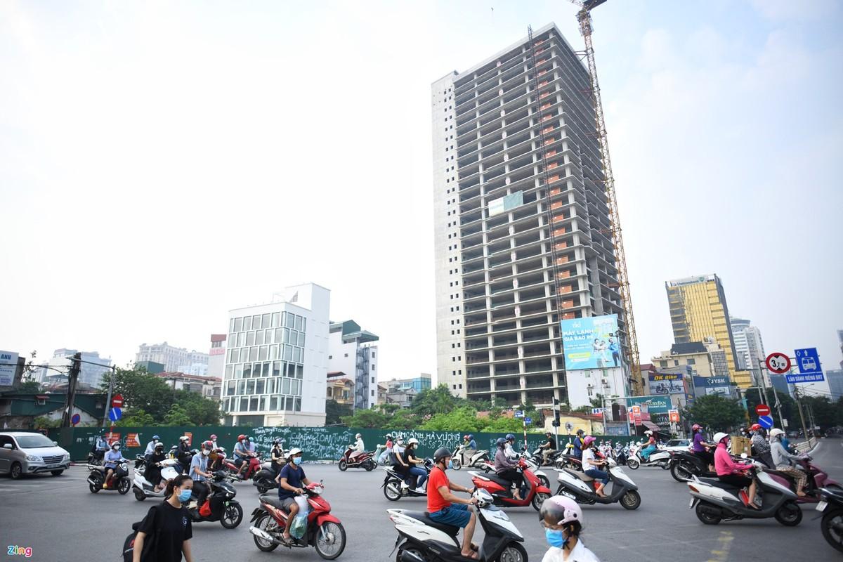 Duong Ha Noi lai dong duc xe co nhu chua he co COVID-19-Hinh-4