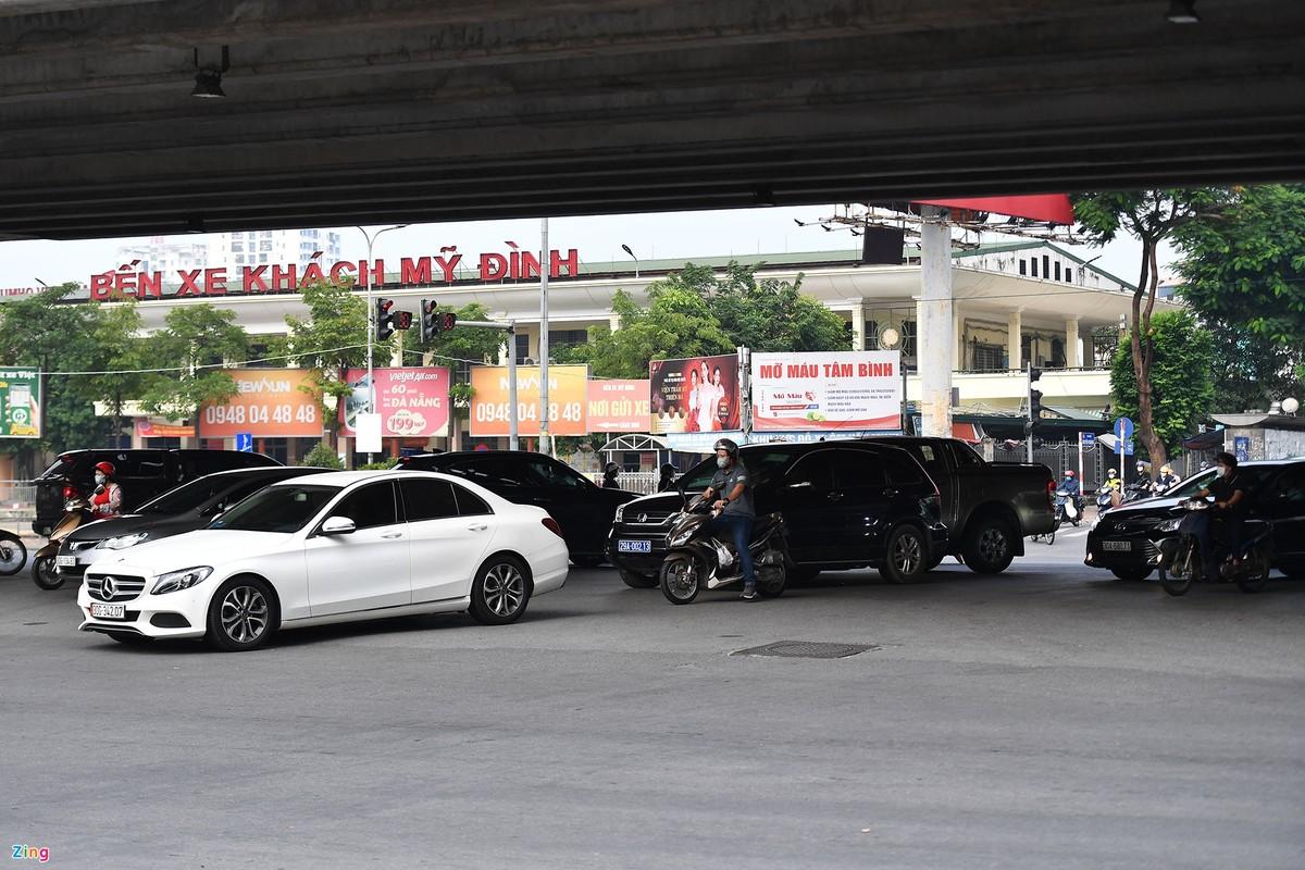 Duong Ha Noi lai dong duc xe co nhu chua he co COVID-19-Hinh-6