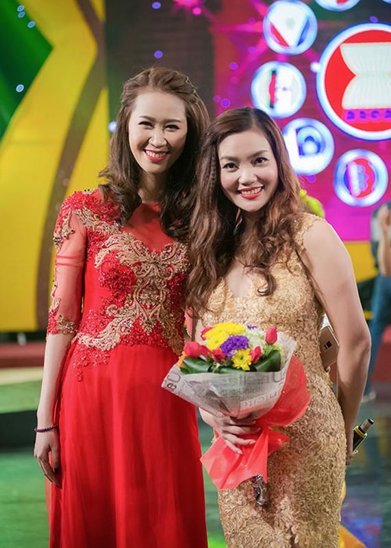 Duong Thuy Linh do sac cung ca si Ngoc Anh-Hinh-7