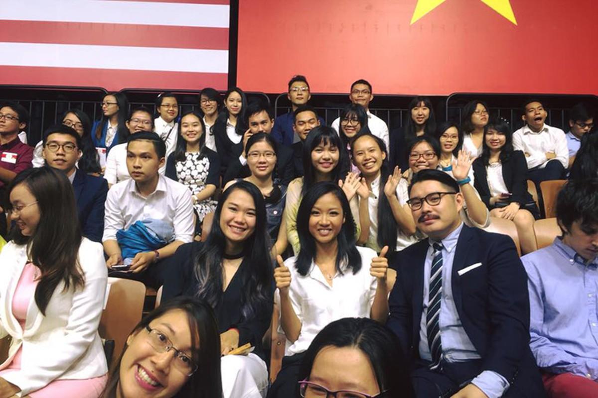 Khanh Thi Lan Phuong hao huc cho gap Tong thong Obama-Hinh-10