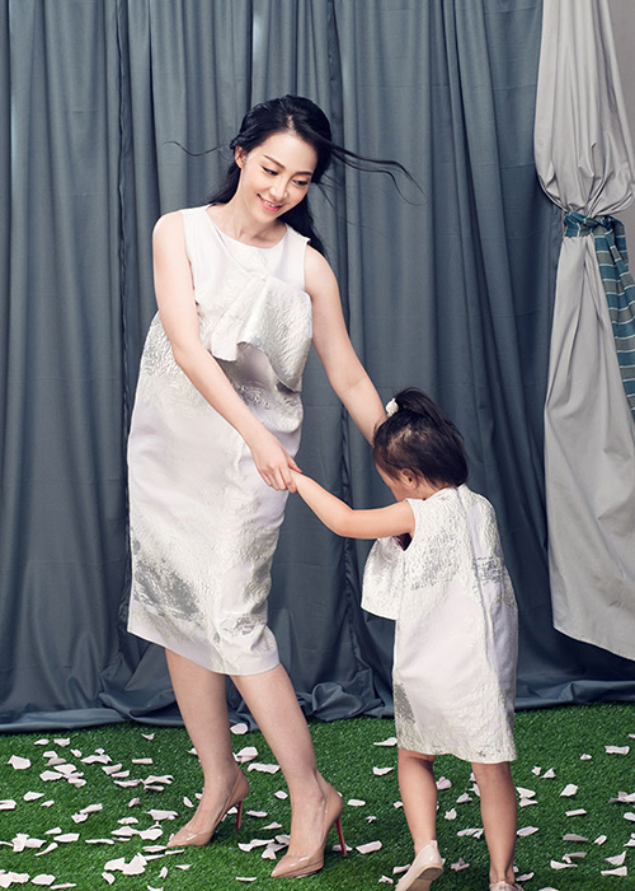 Linh Nga dien do doi cung con gai xinh nhu thien than-Hinh-5