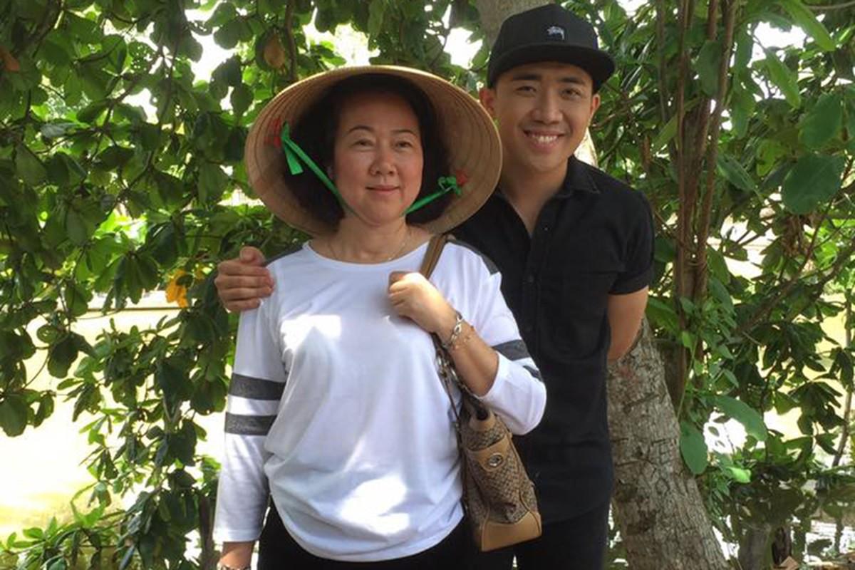 Anh ve mien Tay gay sot cua MC Tran Thanh va me