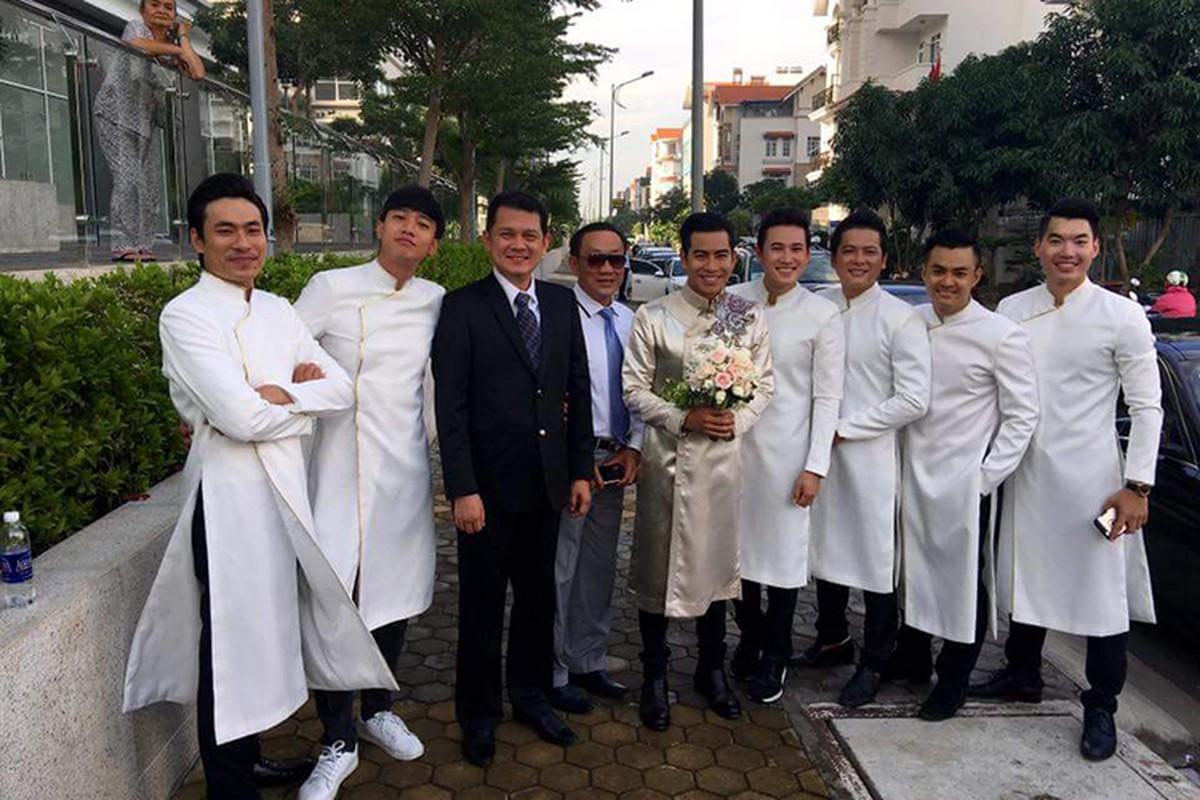 Cap doi Ngoc Lan Thanh Binh tuoi roi trong dam hoi-Hinh-6