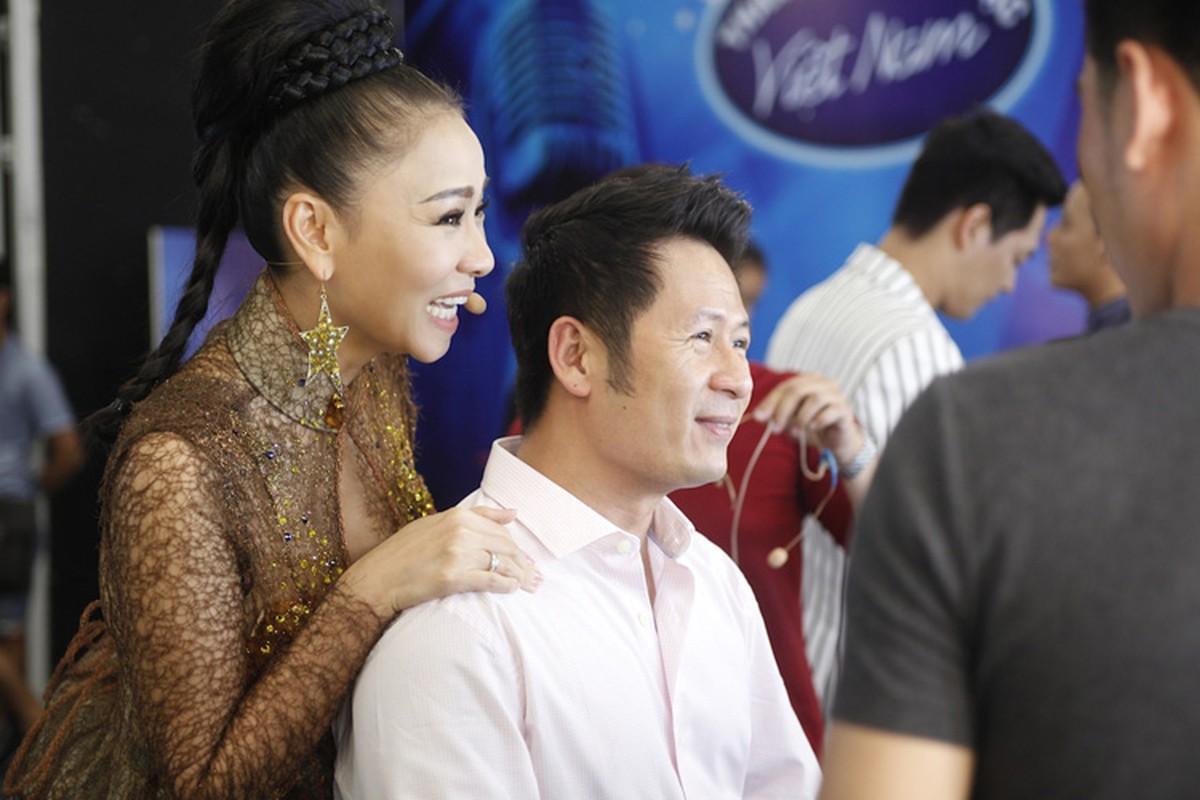 Thu Minh than thiet voi Bang Kieu o hau truong Vietnam Idol