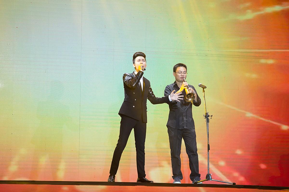 Adam bi loai lo dien top 4 The X-Factor 2016-Hinh-5