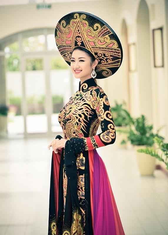 Hoa hau Thu Ngan dung hang Ngoc Trinh Ai mac dep hon-Hinh-9