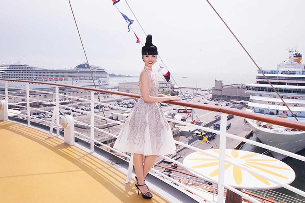 Jessica Minh Anh chon tau khong lo cho show thoi trang moi-Hinh-6