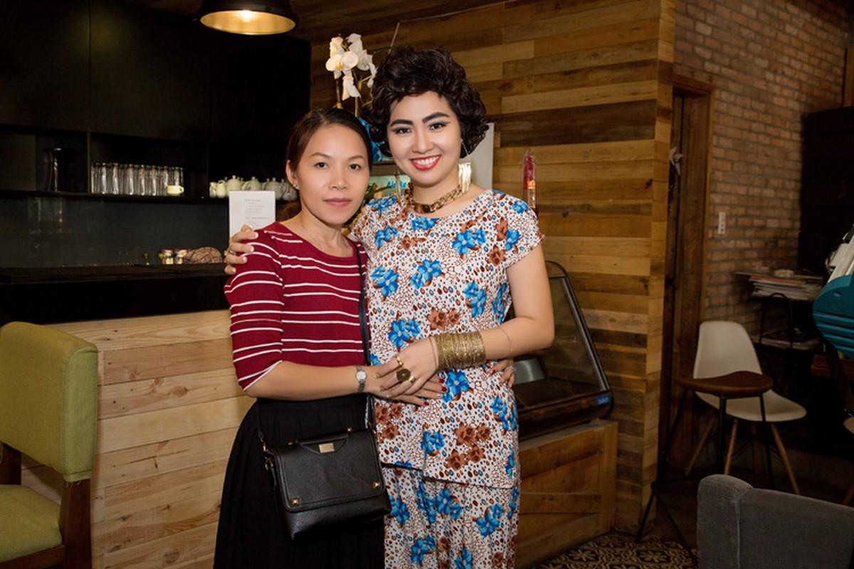 Le Khanh trang diem doc la lam nao loan phong makeup-Hinh-8