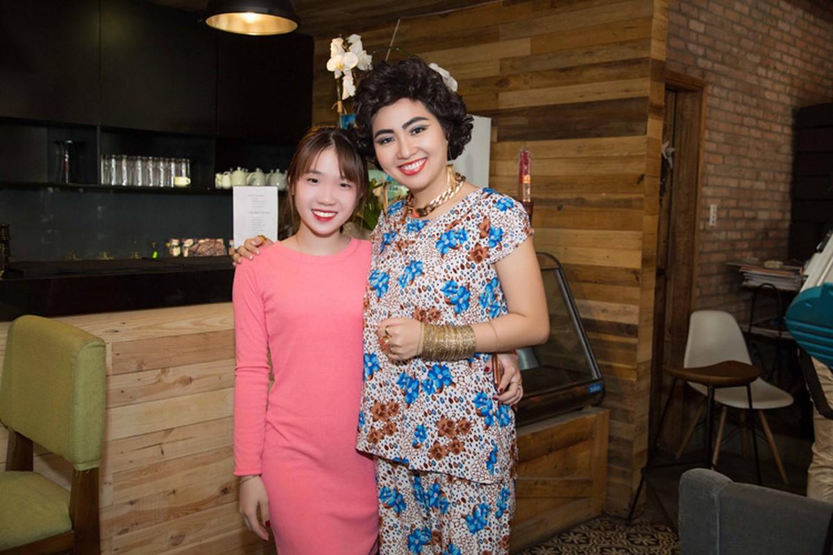 Le Khanh trang diem doc la lam nao loan phong makeup-Hinh-9