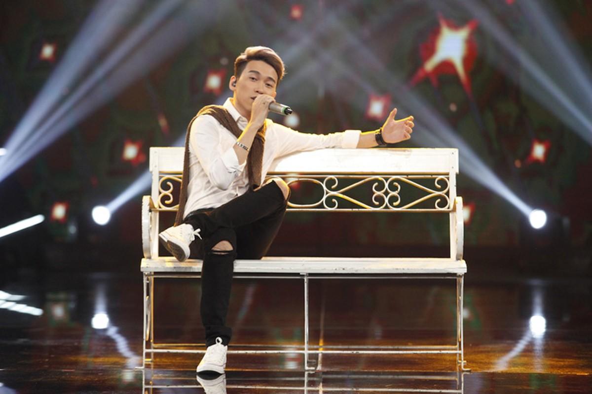 Thu Minh vui ve di cham thi du vang chong thap tung-Hinh-12