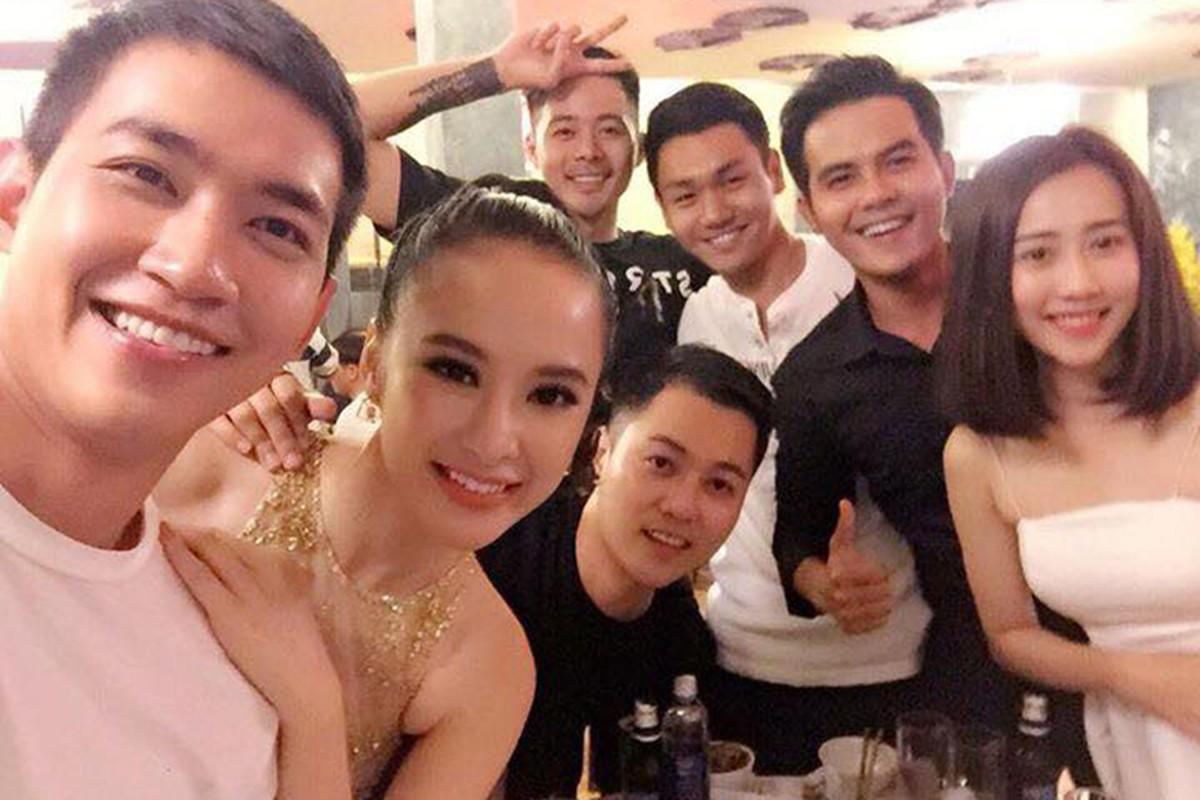 Angela Phuong Trinh di tu thien cung ban trai man anh-Hinh-3