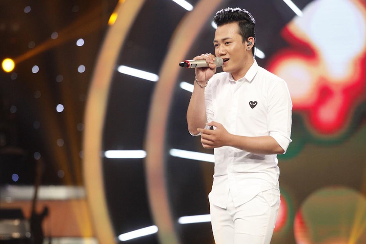 Thu Minh dua gion voi ong xa o hau truong Vietnam Idol-Hinh-12