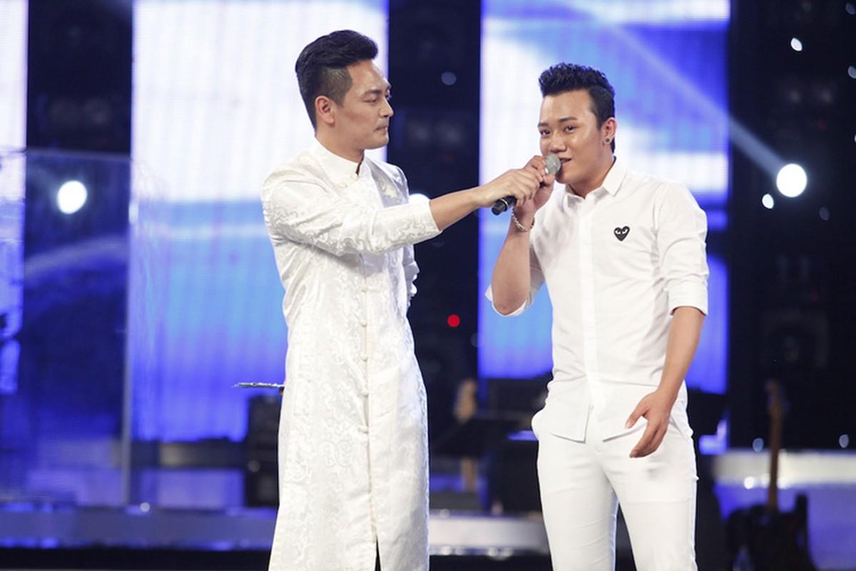 Thu Minh dua gion voi ong xa o hau truong Vietnam Idol-Hinh-14
