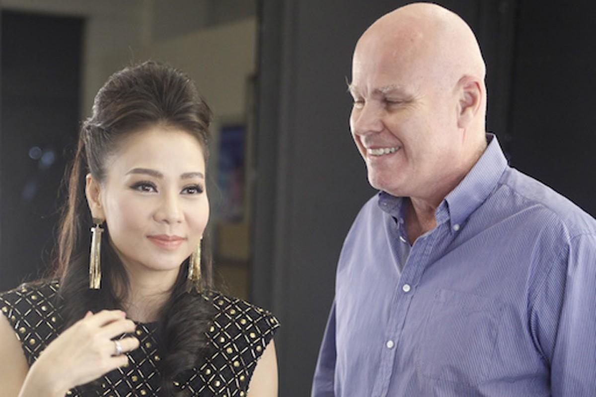 Thu Minh dua gion voi ong xa o hau truong Vietnam Idol
