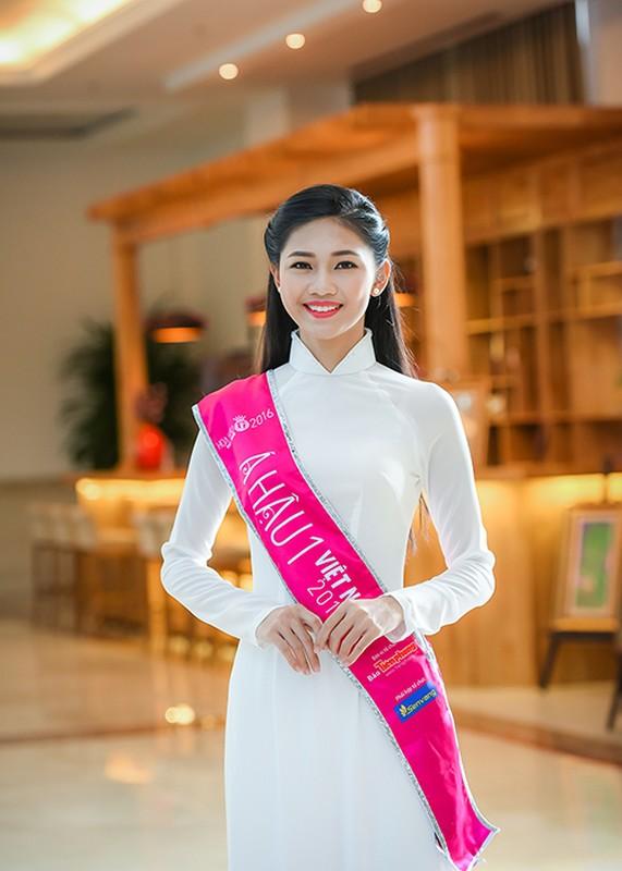 Hoa hau Do My Linh xuat hien rang ro sau dang quang-Hinh-6