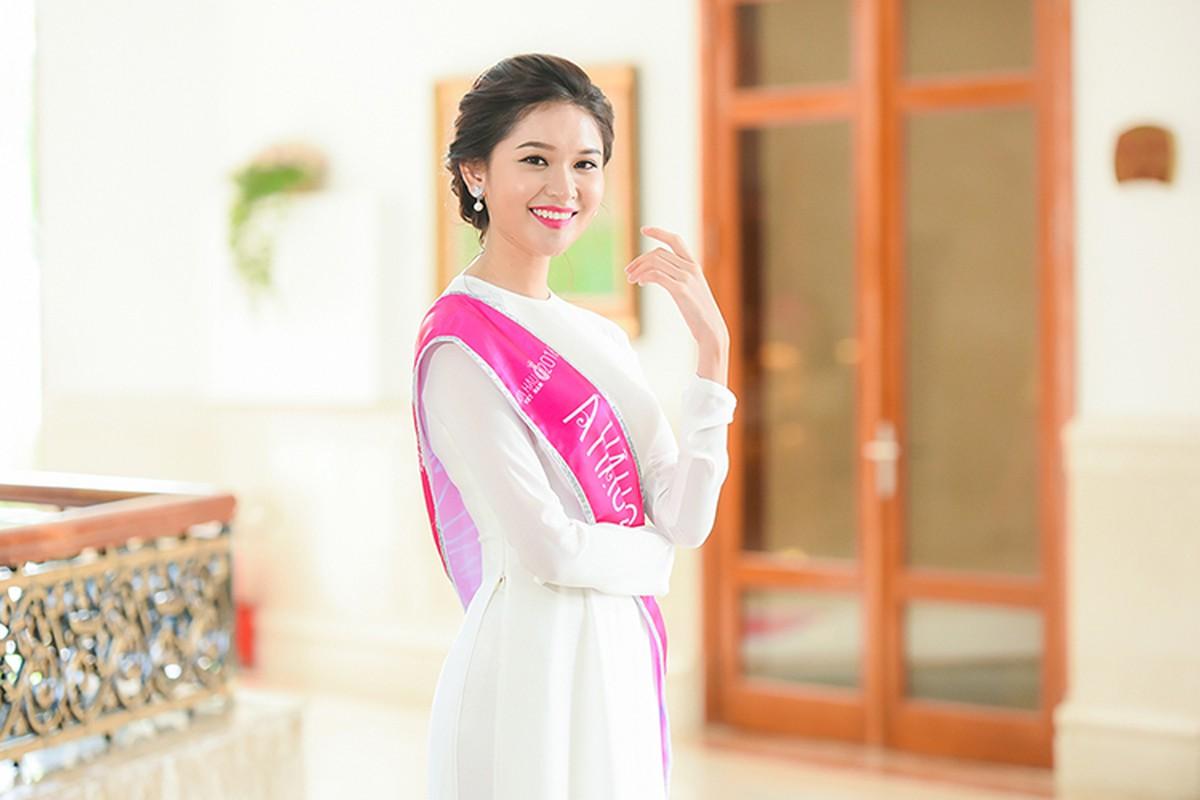 Hoa hau Do My Linh xuat hien rang ro sau dang quang-Hinh-9